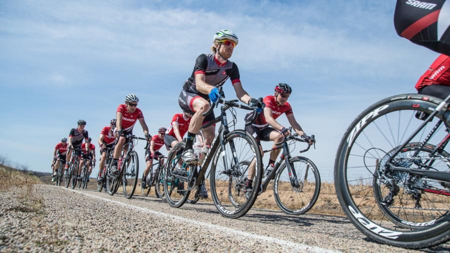 nebeneinander Fahrradfahrer Radfahrer