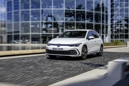 Der Golf GTE kann nun bis zu 62 Kilometer weit elektrisch fahren