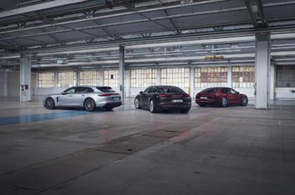 Porsche erweitert Anfang Dezember das Motorenangebot für den gerade aufgefrischten Panamera um einen weiteren Plug-in-Hybriden mit 700 PS