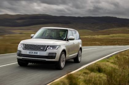 """Der Range Rover bekommt neue Sechszylinder-Motoren, die mit der """"milden"""" Variante eines Hybridantriebs ausgerüstet sind"""